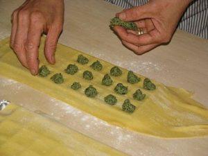 Tipica trattoria della Lunigiana, da Marietta: a Gravagna i tortelli sono ancora fatti a mano