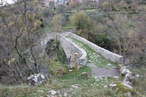 Groppodalosio: il ponte medievale