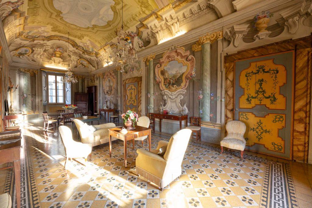 Palazzo Pavesi: decorazioni in stile barocco pontremolese
