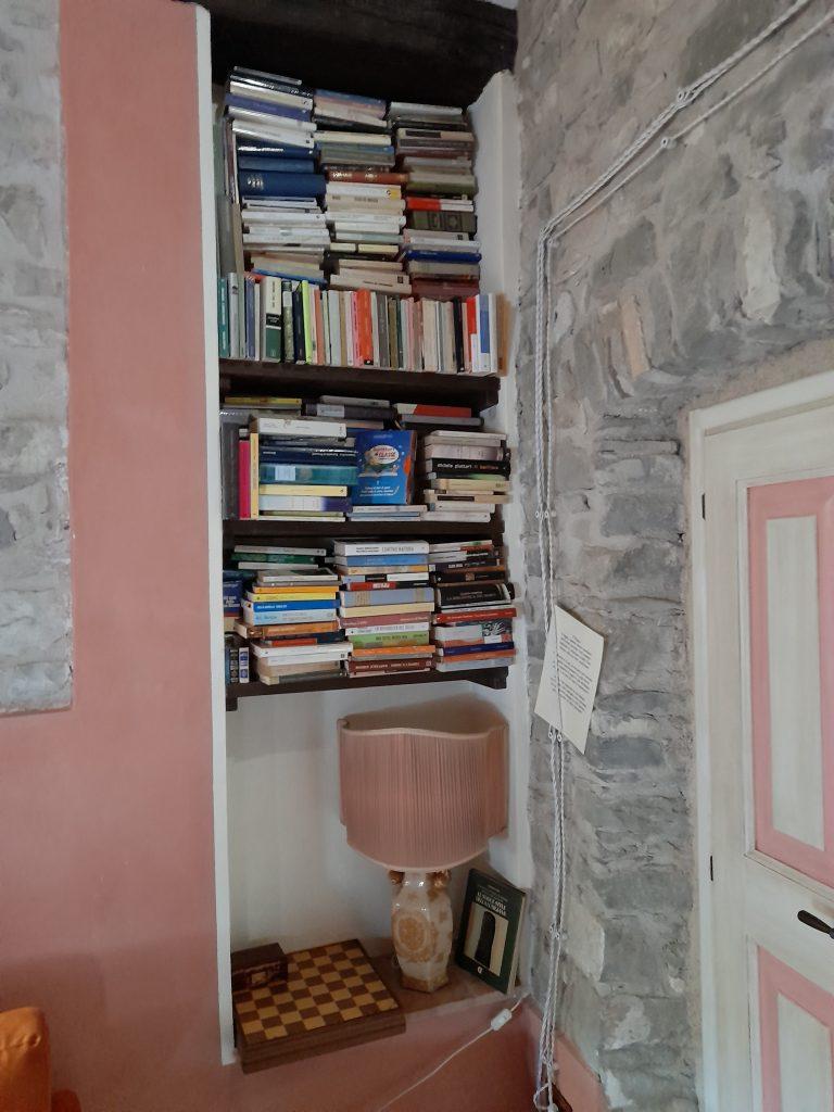 B&B Eremo Gioioso libreria camera la Vite